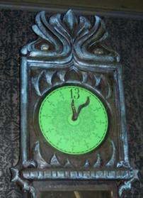 Haunted-Mansion-Clock