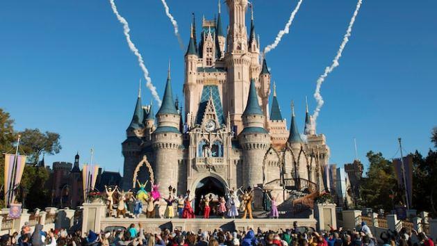 magic-kingdom-welcome-04